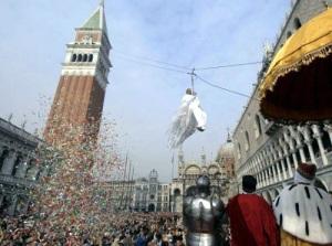 Volo della Colombina: l'inaugurazione del Carnevale di Venezia